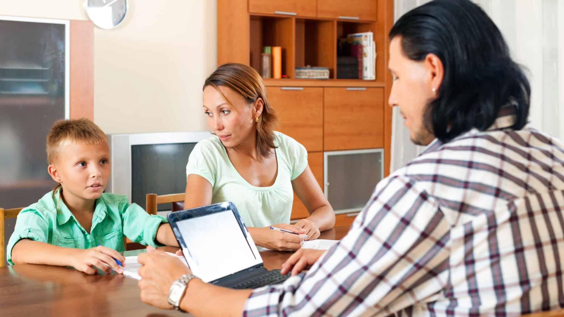 Social Worker Job Description | Social Worker Job Description Qualifications And Outlook